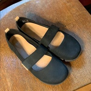 Clarks Trigenic Black Mary Jane Shoes Velcro Strap